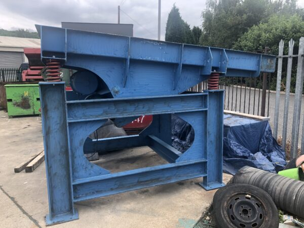 1400-wide-dynamic-handling-feeder